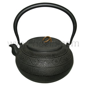 1.4 Liter cast iront teapot with stainless steel filter