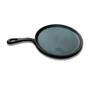 Round pre seasoned cast iron crepe pan / griddle