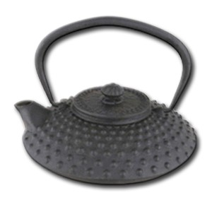 500ml cast iron teapot with hobnail design