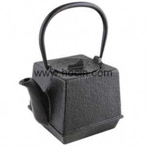 0.7 liter square cast iron teapot in black